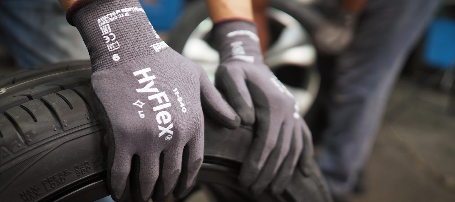 Sfeerbeeld Ansell gloves